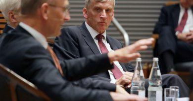 Dr. Torsten Sevecke