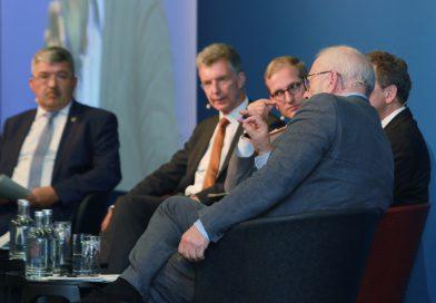 Facettenreiche Panel-Debatten zur gesamtstaatlichen Sicherheitsvorsorge